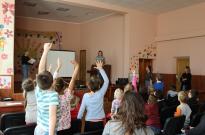 Волонтерська робота з дитячим будинком Фото